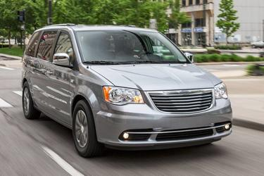 2016 Chrysler Town & Country TOURING Minivan North Charleston SC