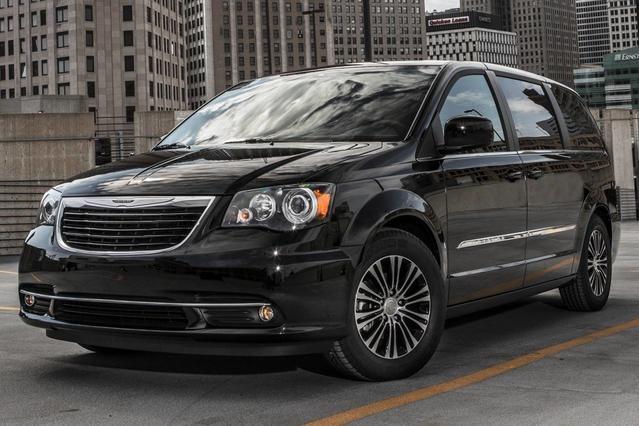2015 Chrysler Town & Country S Mini-van, Passenger Slide 0