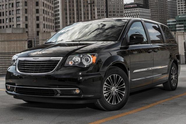 2013 Chrysler Town & Country TOURING-L Mini-van, Passenger Slide 0