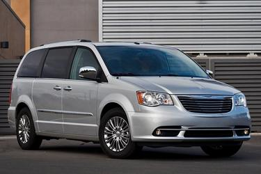 2015 Chrysler Town & Country LIMITED PLATINUM Minivan Fayetteville NC