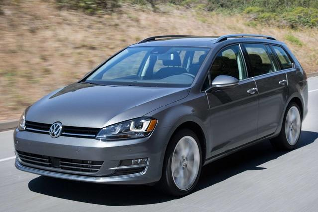 2016 Volkswagen Golf Sportwagen TSI S Station Wagon Slide 0