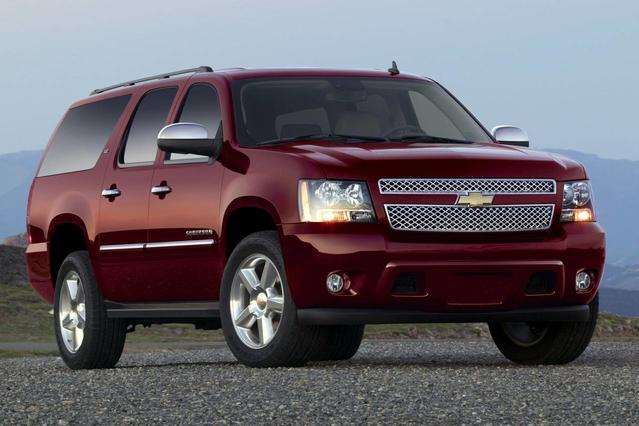 2012 Chevrolet Suburban 1500 LT SUV Slide 0
