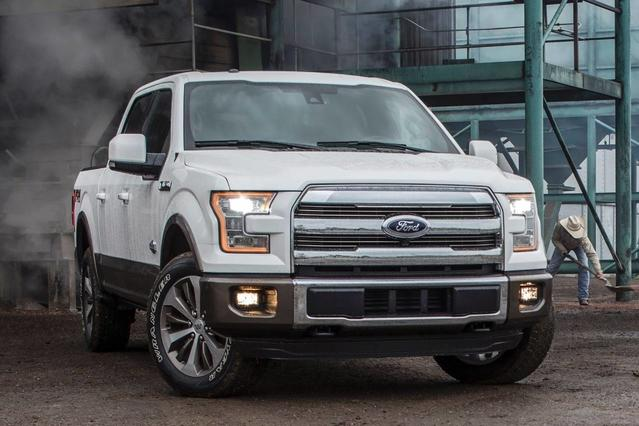 2017 Ford F-150 PLATINUM Crew Cab Pickup Slide 0