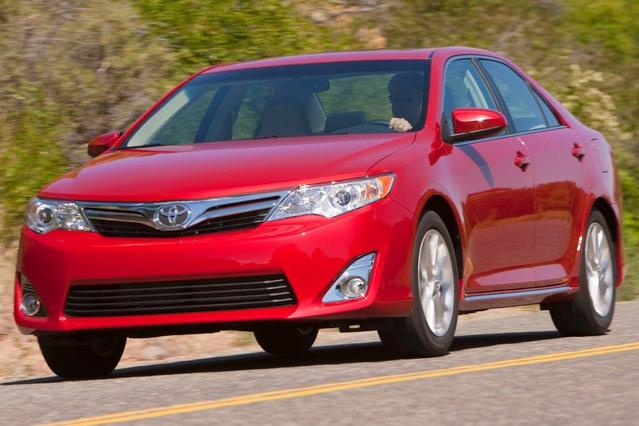 2013 Toyota Camry LE Slide 0