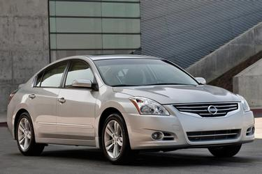 2010 Nissan Altima 2.5 S 2dr Car Slide