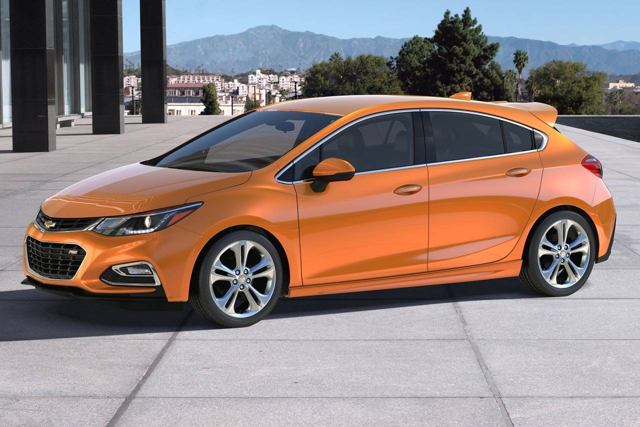 2017 Chevrolet Cruze LT 4D Sedan Slide 0