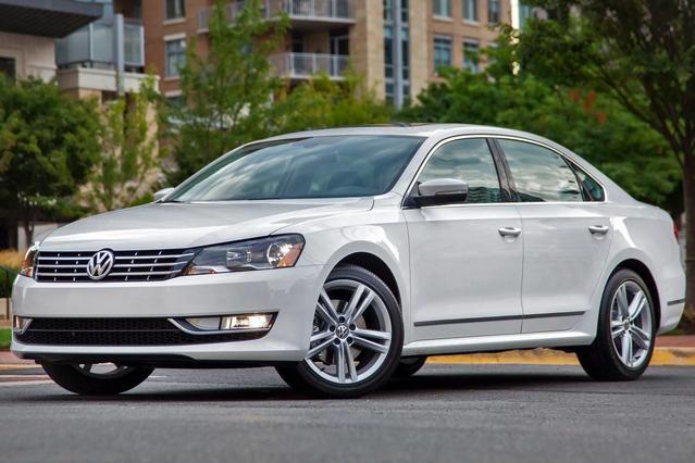 2015 Volkswagen Passat 1.8T LIMITED EDITION 4dr Car Slide 0