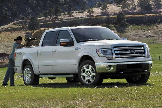 2013 Ford F-150 XLT Crew Cab Pickup Slide 0