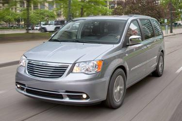 2016 Chrysler Town & Country TOURING-L ANNIVERSARY EDITION Minivan Slide