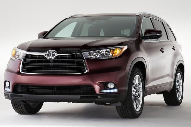 2016 Toyota Highlander LIMITED Slide 0