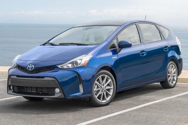 2017 Toyota Prius v TWO TWO Station Wagon Merriam KS