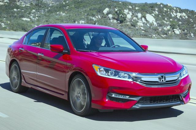 2017 Honda Accord Coupe TOURING 2dr Car Slide 0