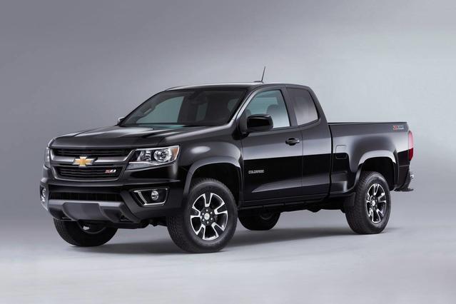 2017 Chevrolet Colorado WORK TRUCK Crew Cab Pickup Slide 0