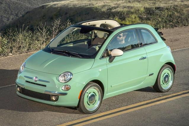 2015 FIAT 500  Hatchback Slide 0