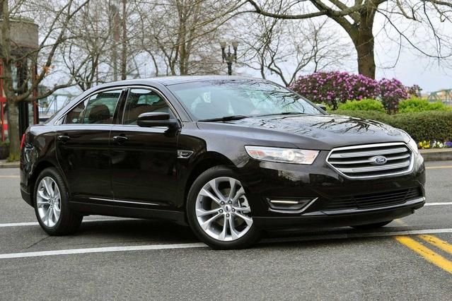 2017 Ford Taurus SHO 4dr Car Slide 0