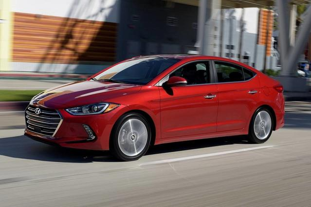 2017 Hyundai Elantra VALUE EDITION 4dr Car Slide 0