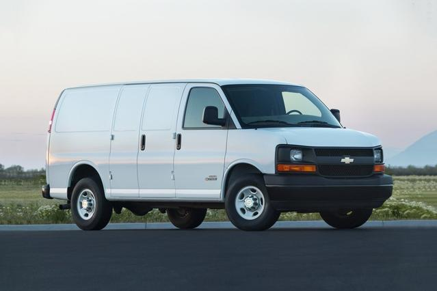 2017 Chevrolet Express 2500 WORK VAN Slide 0