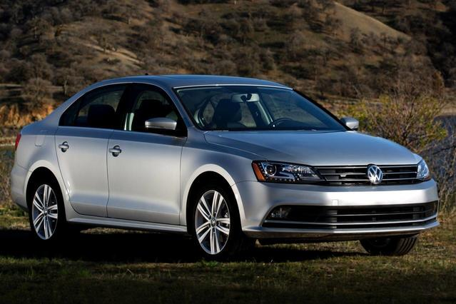2015 Volkswagen Jetta Sedan 1.8T SE 4dr Car Slide 0