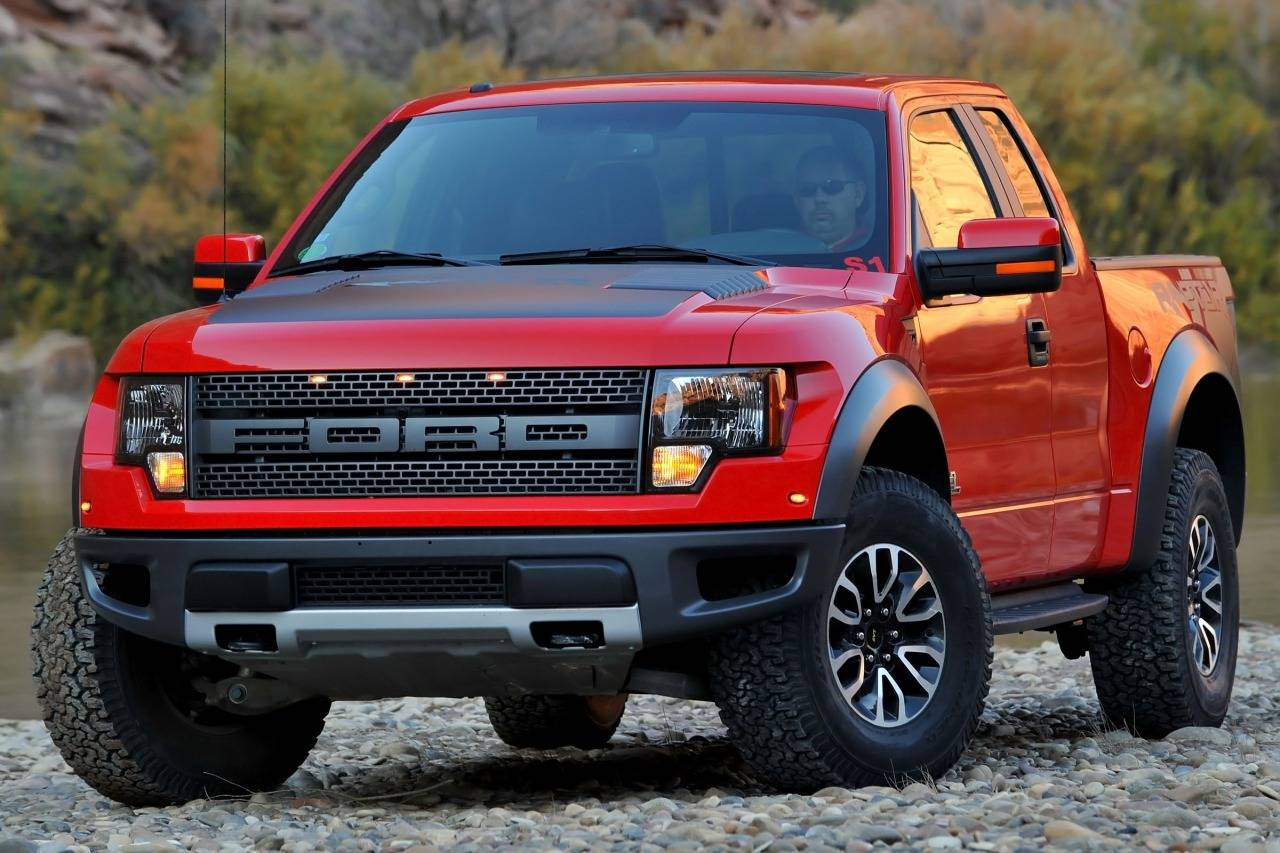2014 Ford F-150 LARIAT Crew Pickup Slide 0