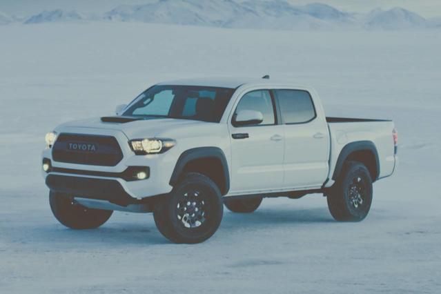 2017 Toyota Tacoma TRD SPORT Slide 0