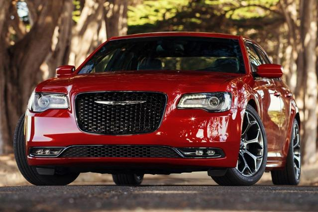 2016 Chrysler 300 LIMITED 4dr Car Slide 0