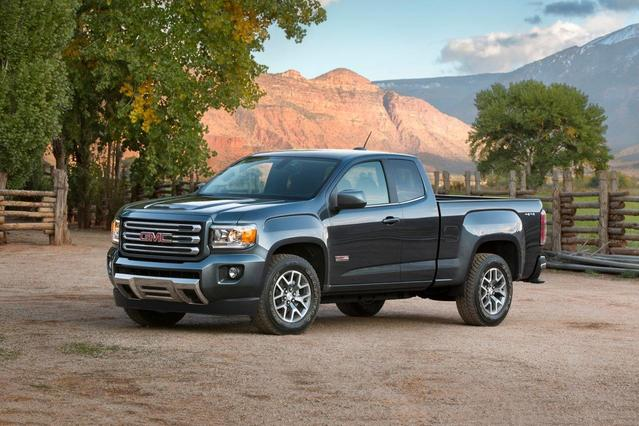2017 GMC Canyon SLT Slide 0
