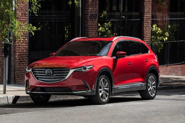 2017 Mazda MAZDA CX-9 SIGNATURE Slide 0