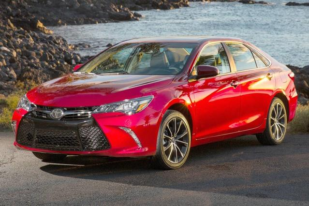 2016 Toyota Camry LE Slide 0
