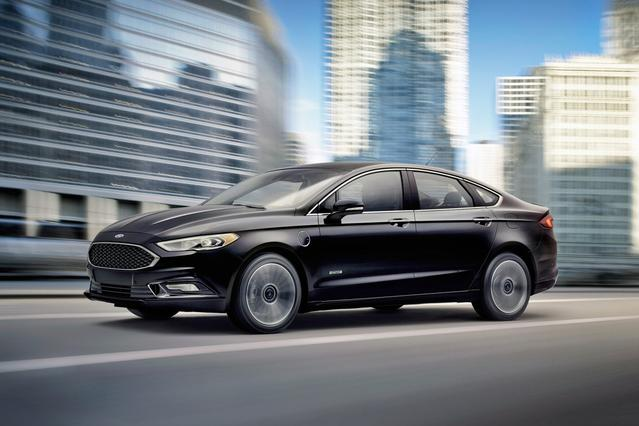 2017 Ford Fusion Energi SE LUXURY 4dr Car Slide 0