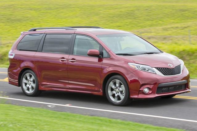 2016 Toyota Sienna 5DR 8-PASS VAN XLE FWD North Attleboro MA