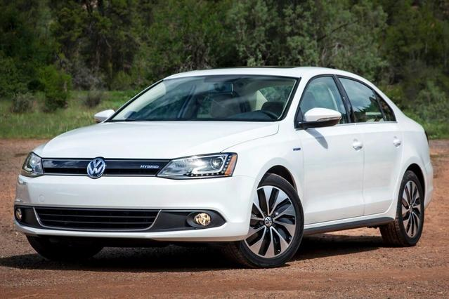 2015 Volkswagen Jetta Sedan 2.0L TDI S 4dr Car Slide 0