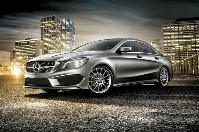 2018 Mercedes-Benz Cla CLA 250 4dr Car Slide 0