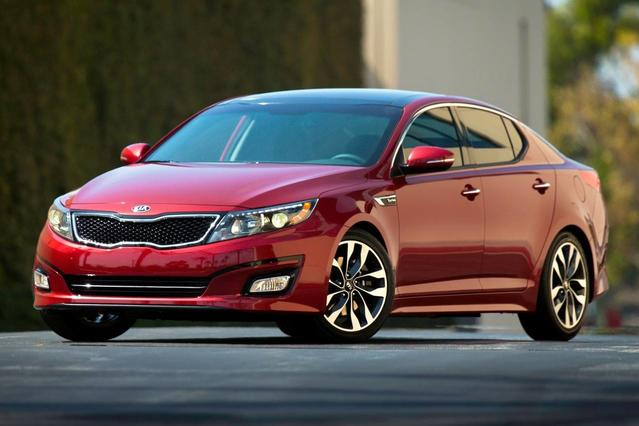 2015 Kia Optima LX 4dr Car Slide 0
