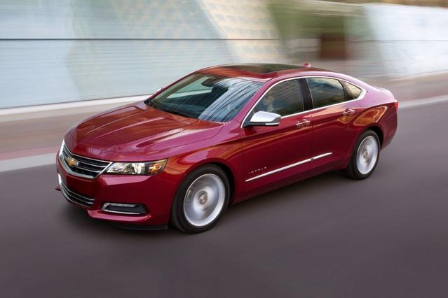 2018 Chevrolet Impala LT 4dr Car Slide 0