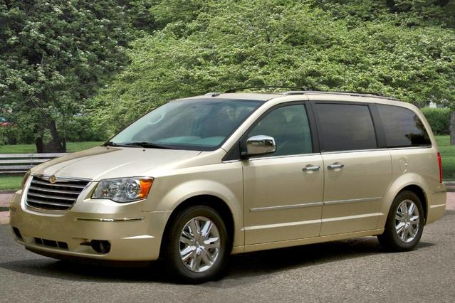 2010 Chrysler Town & Country TOURING Minivan Slide 0