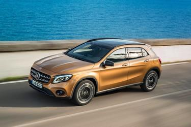 2018 Mercedes-Benz GLA 250 SUV Slide