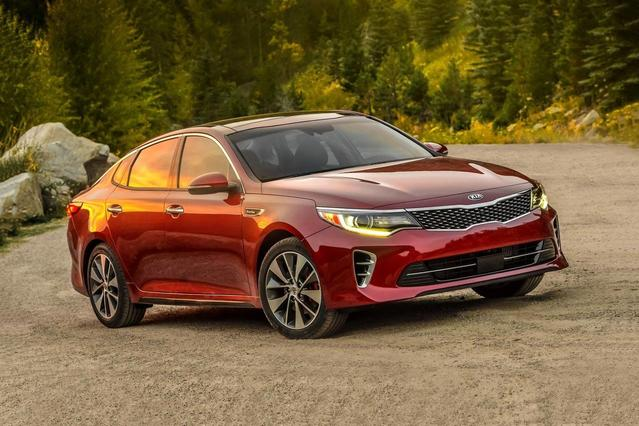 2018 Kia Optima EX 4dr Car Slide 0