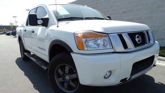2015 Nissan Titan PRO-4X Crew Cab Pickup Merriam KS