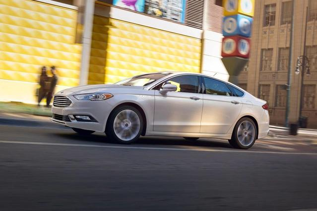 2018 Ford Fusion SE 4dr Car Slide 0