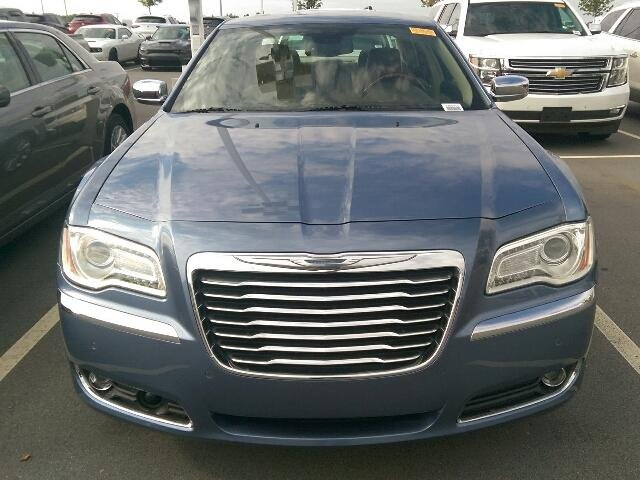 2011 Chrysler 300 300C 4dr Car Slide