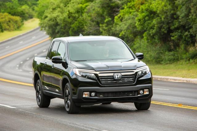 2018 Honda Ridgeline SPORT Crew Cab Pickup Slide 0