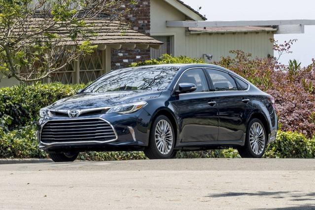2018 Toyota Avalon LIMITED LIMITED 4dr Car Merriam KS