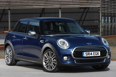 2017 MINI Hardtop 4 Door COOPER S Hatchback Slide 0