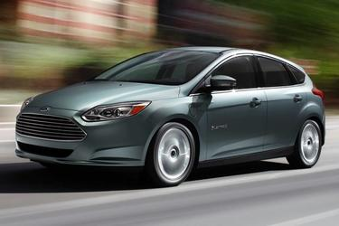 2013 Ford Focus TITANIUM 4dr Car Slide