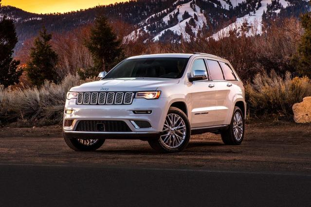 2018 Jeep Grand Cherokee ALTITUDE Slide 0