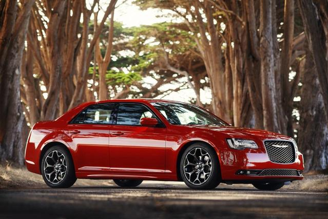 2018 Chrysler 300 300S 4dr Car Slide 0