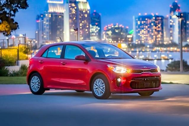 2018 Kia Rio 5-Door EX Hatchback Slide 0