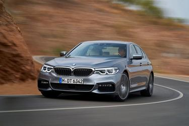 2018 BMW 5 Series 530I XDRIVE Sedan Slide