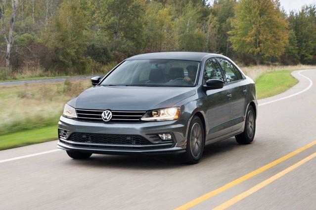 2018 Volkswagen Jetta 1.4T SE 4dr Car Slide 0