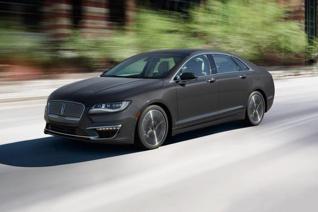2018 Lincoln MKZ RESERVE 4dr Car Slide 0